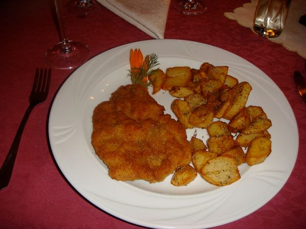 800px-Kotlet_schabowy