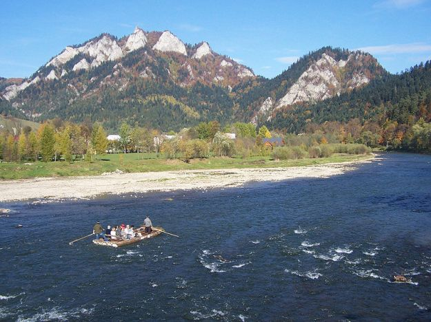 800px-Rafting_on_the_Dunajec_River