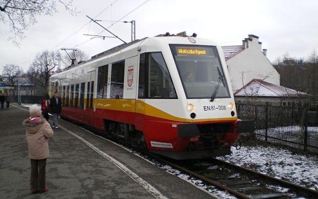 800px-Wieliczka-Poland--Wieliczka-Rynek-Train-Station-1