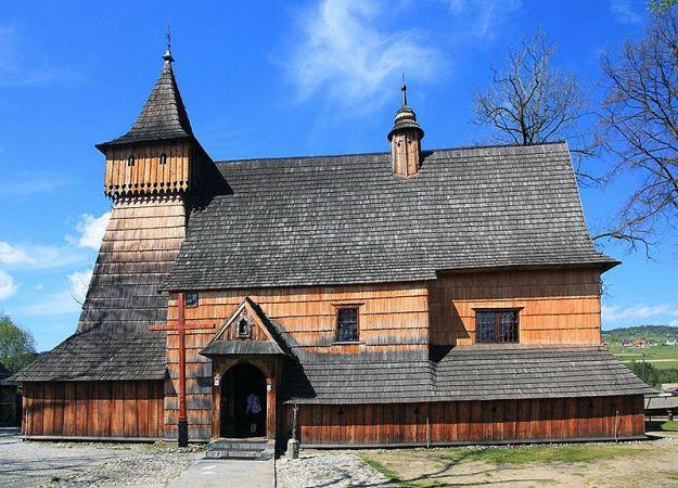 800px-Church_of_St._Michael_in_Dębno_2009_(5)