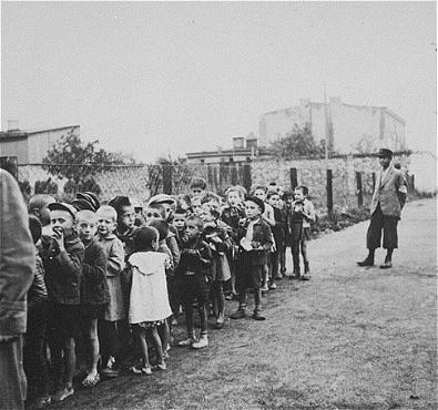 Children_rounded_up_for_deportation to chelmno