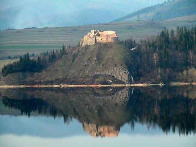 Czorsztyn_castle