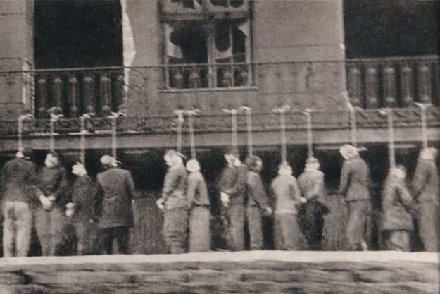 inmates_of_Pawiak_prison,_hanged_by_Germans_in_Leszno_Street_,_Warsaw_February_11th_1944
