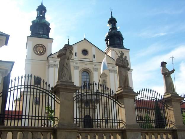 Monastery_in_Kalwaria_Zebrzydowska_01