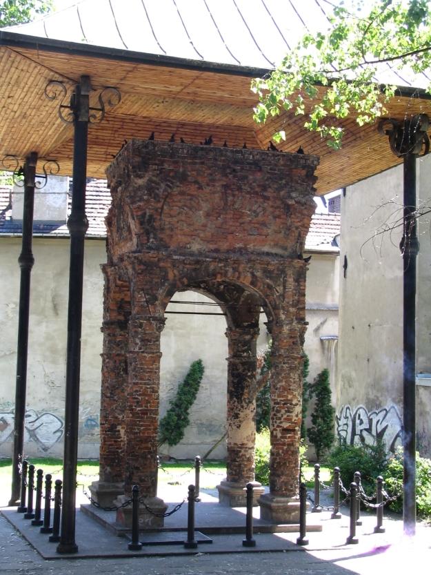 pozostalosc po synagodze tarnowskiej