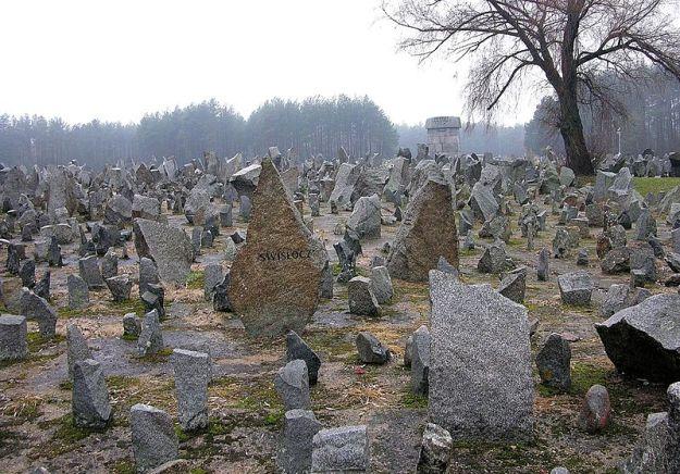 Treblinka_Memorial
