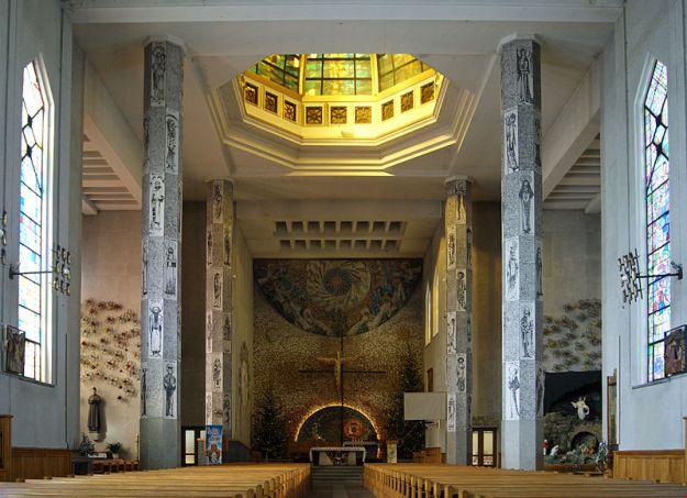 800px-St._Stanislaus_Kostka_Church_(interior),_6_Konfederacka_street,_Debniki,_Krakow,_Poland