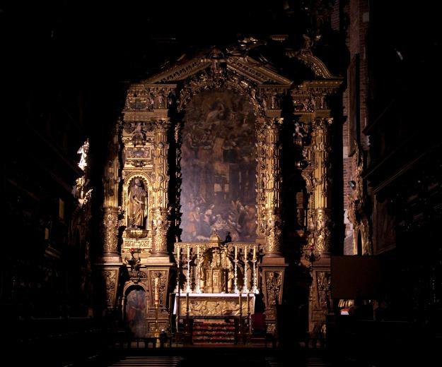 Altar_of_Corpus_Christi_church_in_Krakow_01_AB
