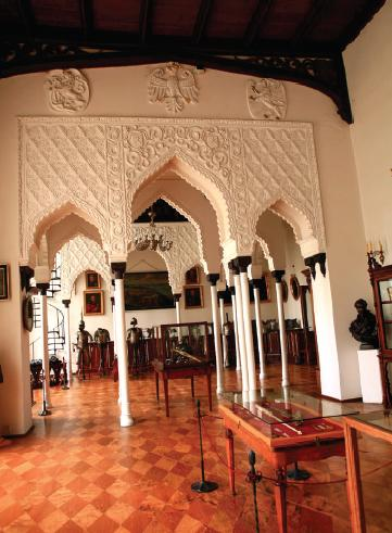 Arcaded_hall_in_Kornik_castle