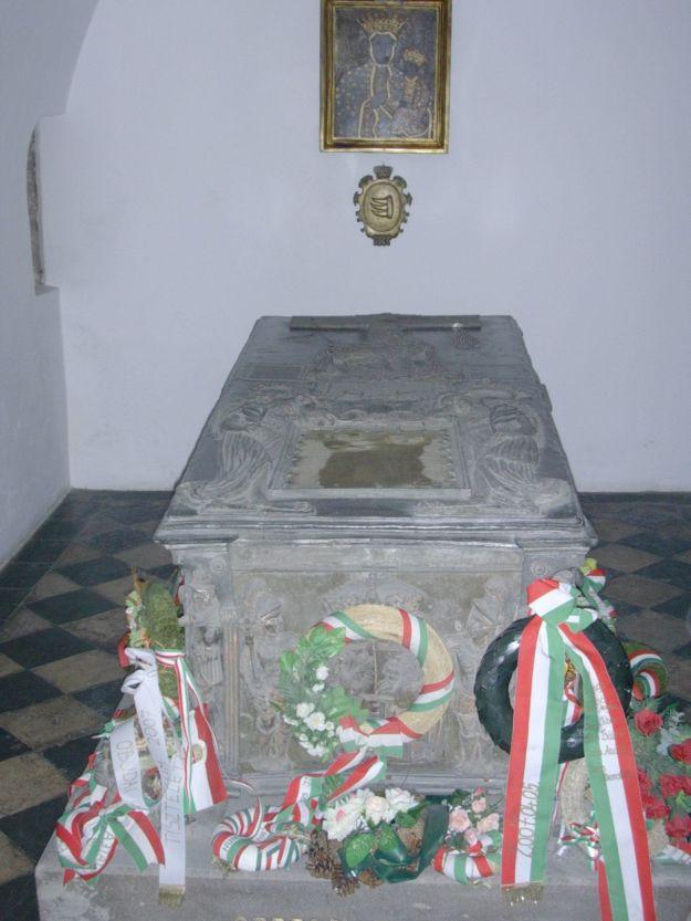 Batory_tomb_Wawel