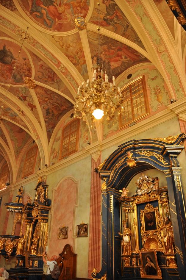 Church_of_St._Barbara,_Kraków_-_interior