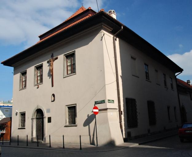 Dom_pod_krzyżem,_Kraków_02