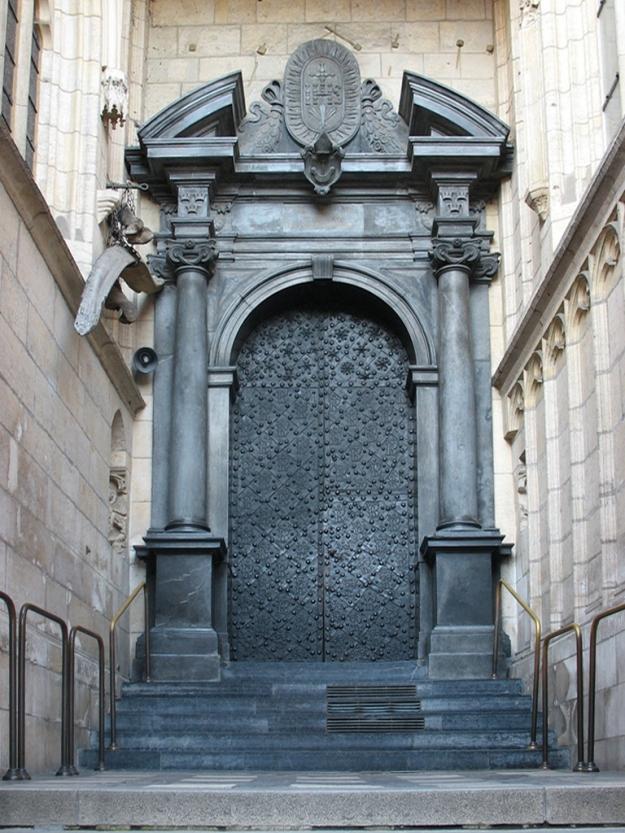 Entrance,_Wawel_cathedral