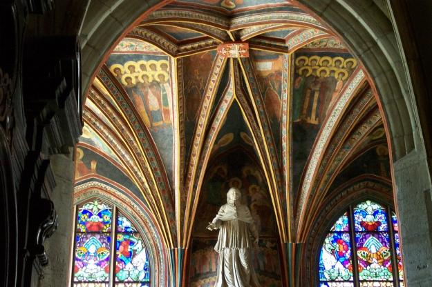 Holy_Cross_Chapel,_frescoes