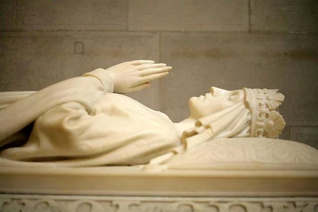 Jadwiga of Poland and the monument in the form of a tomb