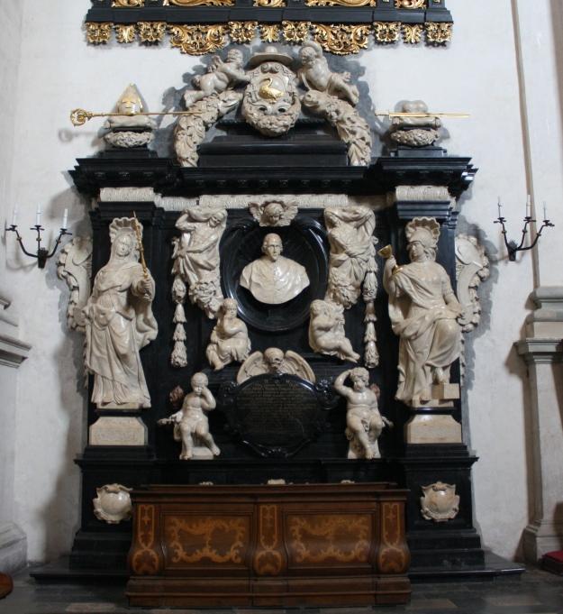 Kościół_ŚŚ_Piotra_i_Pawła_w_Krakowie_Nagrobek_biskupa_andrzeja_Trzebnickiego