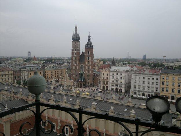 Kosciól_Mariacki_from_the_top_of_Wieza_Ratuszowa_(7822248260)