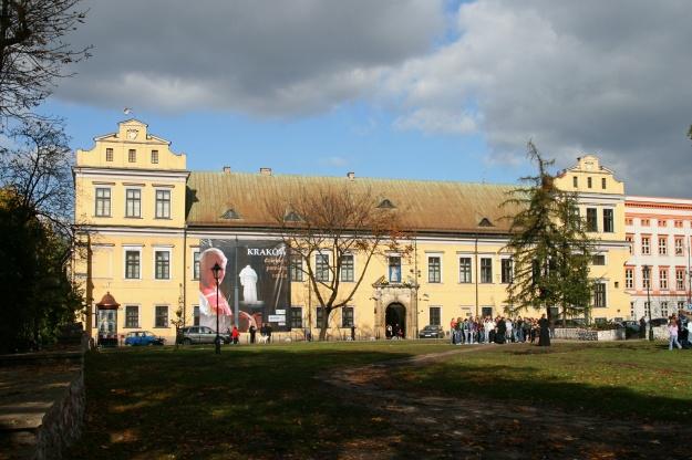 Kraków_-_Bishops_Palace_01