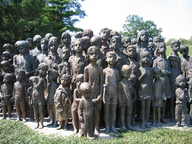 Memorial_lidice_children
