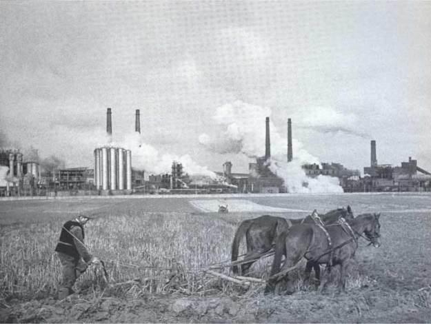 nowa-huta-lenin-steelworks-1960s-01