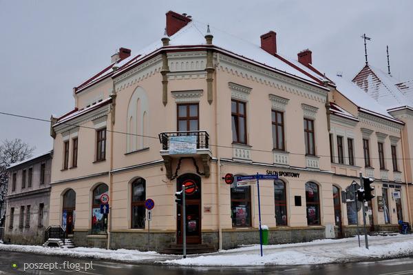 Nowy_Sącz,_ul._Zygmuntowska_17_(dom_robotniczy)