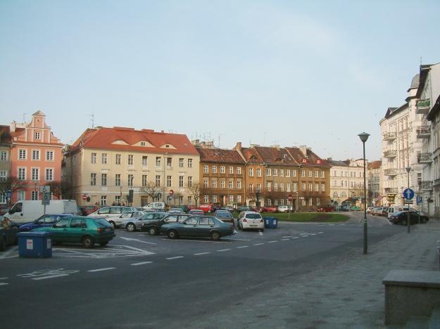 Plac_Kolegiacki_Poznań_RB1
