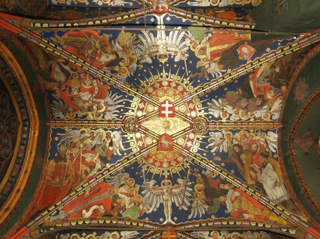 Polychrome on the vaulting of Queen Sophia's Chapel