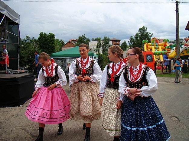Regional_costume_of_Lachy_Sadeckie