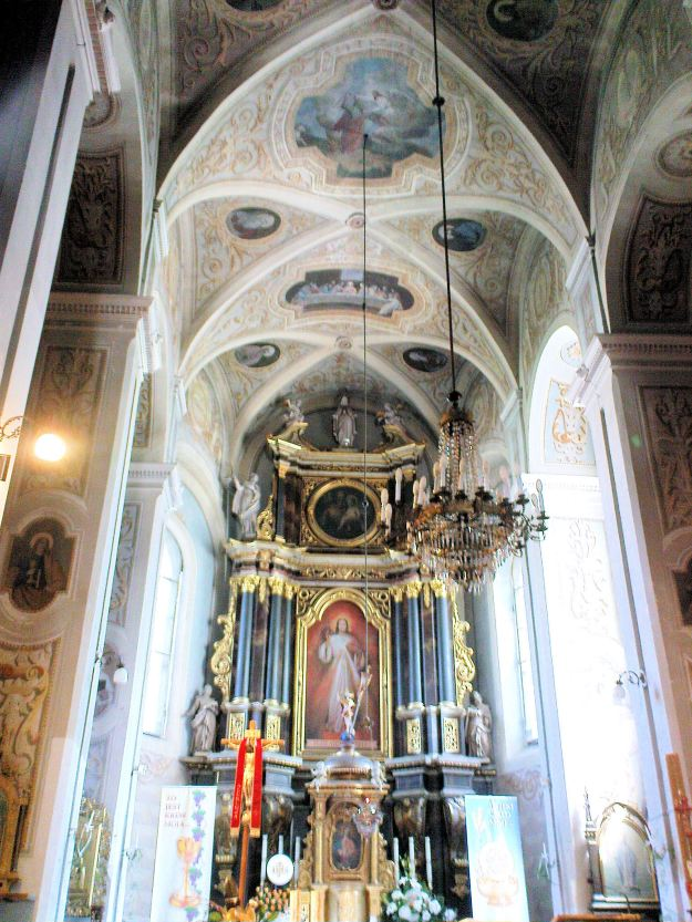 Saint_Andrew_church_in_Łęczyca_-_Interior_-_05