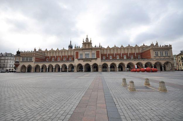 Sukiennice_Facade_Krakow_Poland
