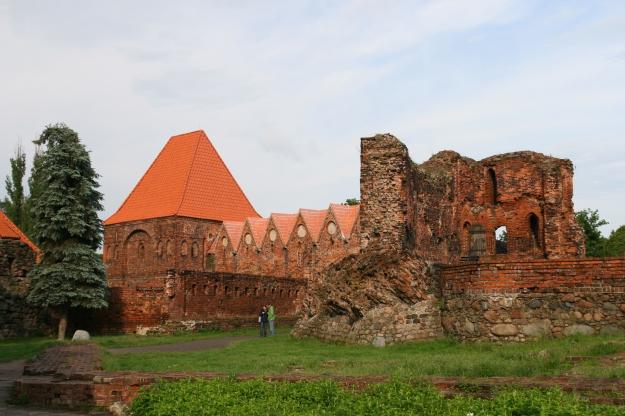 Toruń_-_Zamek_Krzyżacki_03