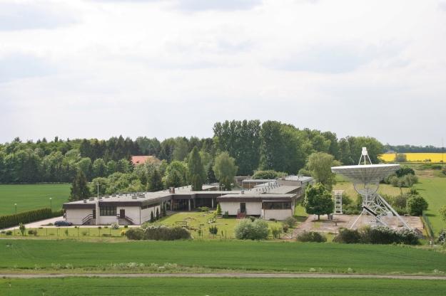 Control building + 15m telescope