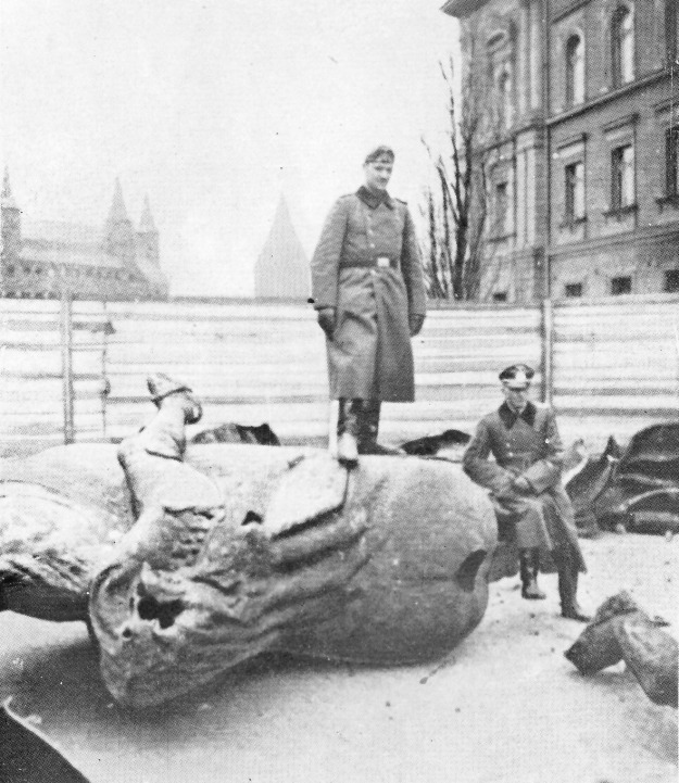 WWII_Krakow_-_01